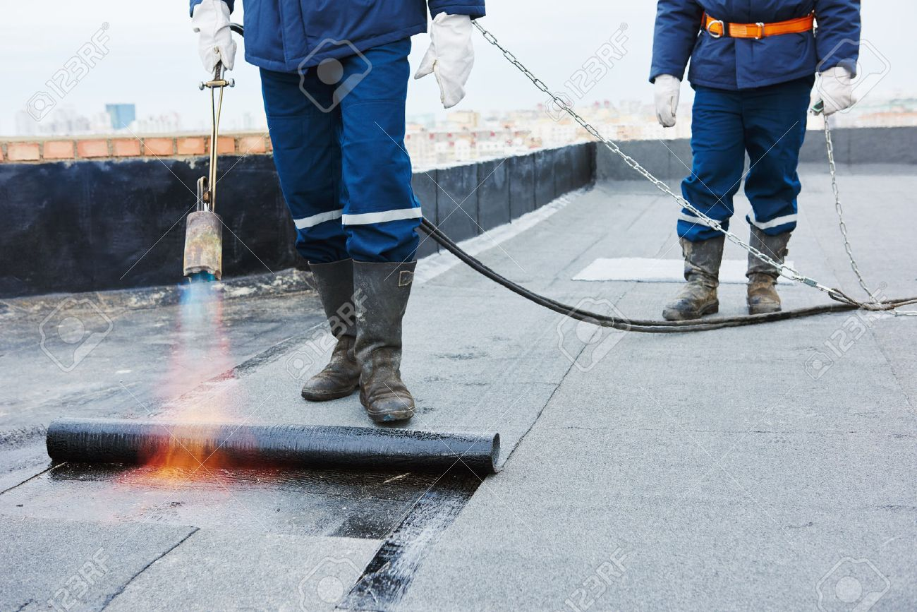 Applying Asphalt Coating Roof Products